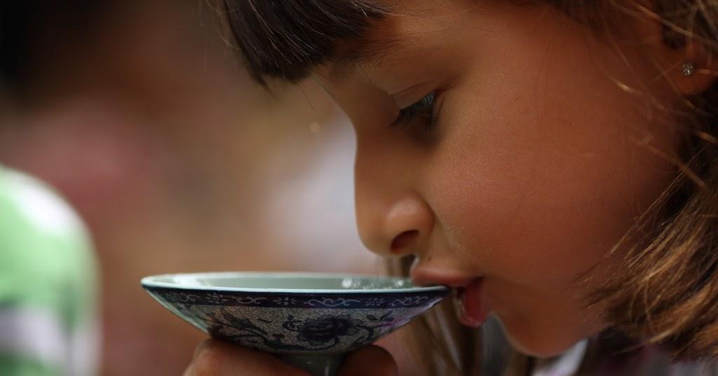 Bildergebnis für slurping hot tea
